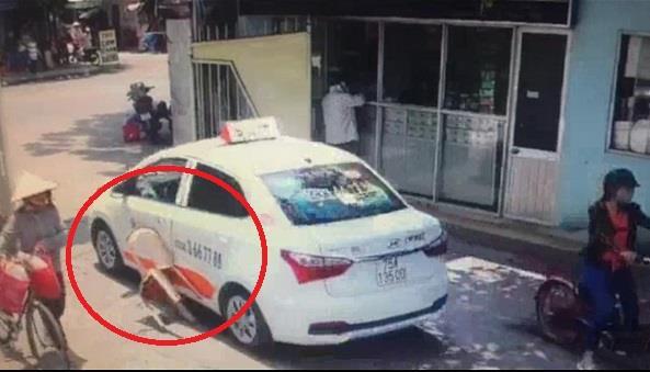 bao-ve-benh-vien-danh-nu-tai-xe-taxi-2