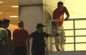 Công ty KTC sa thải nhân viên bảo vệ cho CĐV không vé vào sân Mỹ Đình